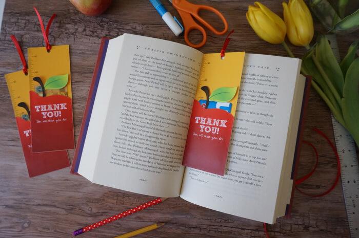 Teacher Gift Card Printables - bookmark