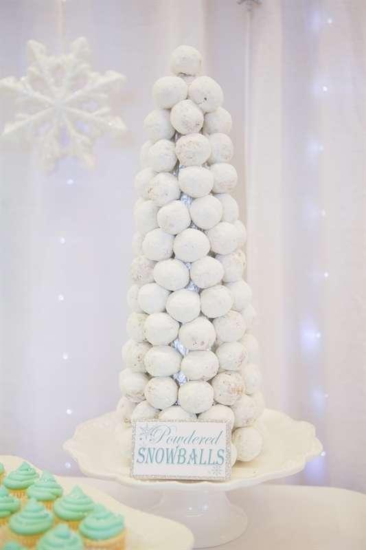 Easy Disney Frozen Treat Ideas - Donut Hole Tree