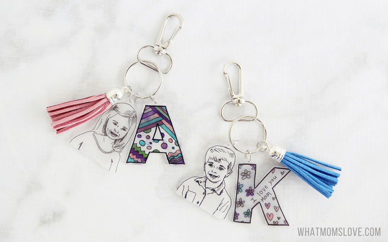 DIY Gift for mother's day | Shrinky Dinks personalized keychain for mom, grandma, nana.