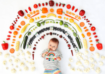 18 Tips To Raise An Adventurous, Non-Picky Eater From Baby To Toddler & Beyond